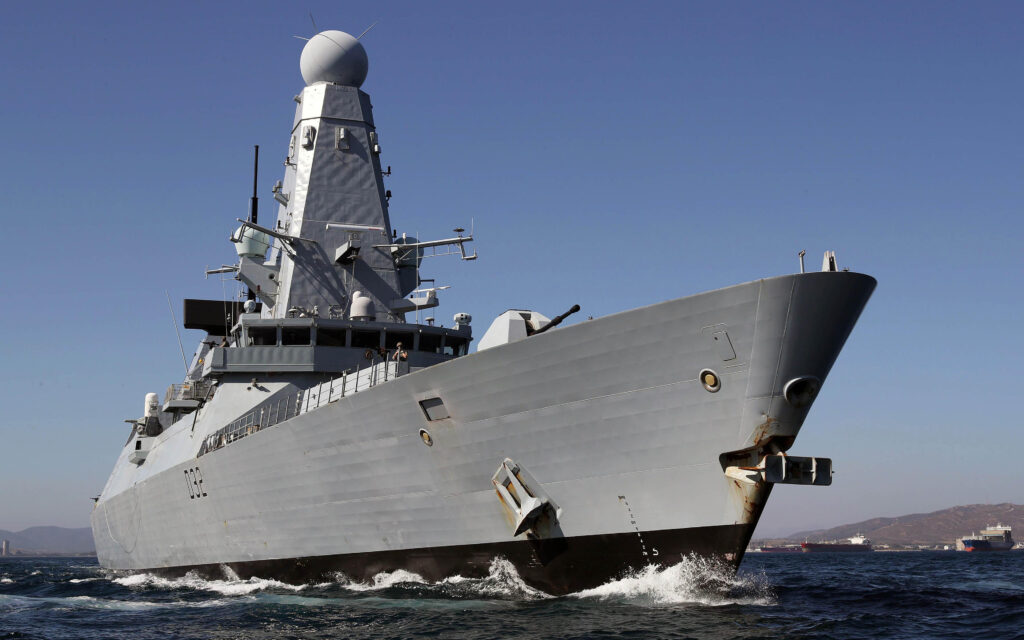 تعرف على السفن العسكرية الأكثر غرابة
