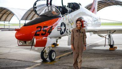 Photo of الملازم Madeline Swegle او طيارة اميركية سوداء في البحرية