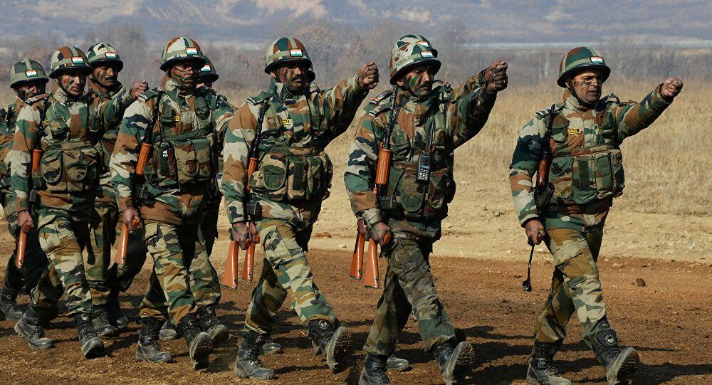 الهند تجري مناورات مدرعة كبيرة على طول الحدود مع الصين