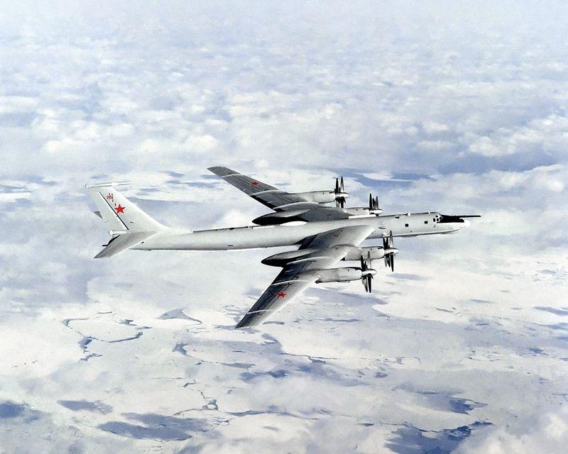 مقاتلات الناتو ترافق مقاتلات روسية فوق 5 بحار