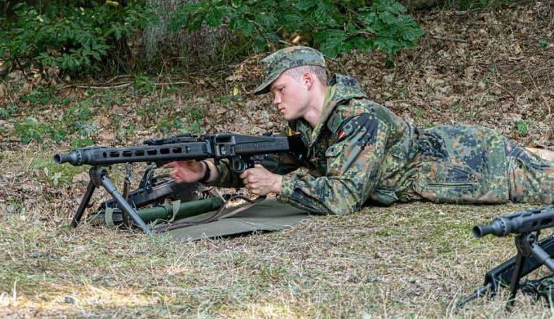 رشاش MG5 7.62 هو خليفة MG3 في الجيش الألماني
