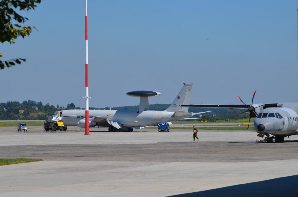 الناتو ينشر طائرات أواكس في بولندا