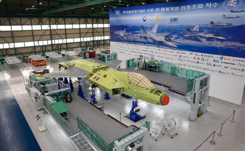 كوريا الجنوبية تكشف عن أول نموذج لطائرة مقاتلة من طراز KF-X