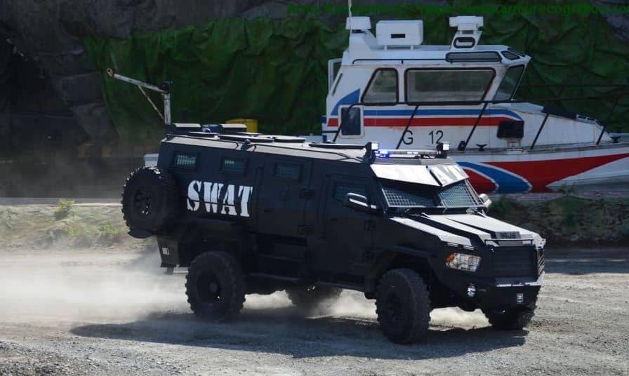 Titan مركبة عسكرية محمية بنظام الدفع الرباعي صنعت في الإمارات