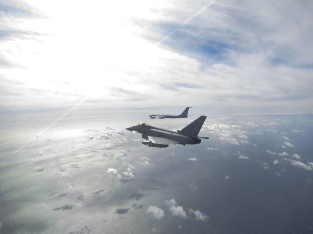 بريطانيا تعترض مقاتلات روسية  في مجالها الجوي