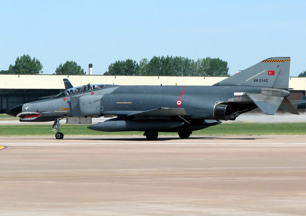 فانتوم إف -4