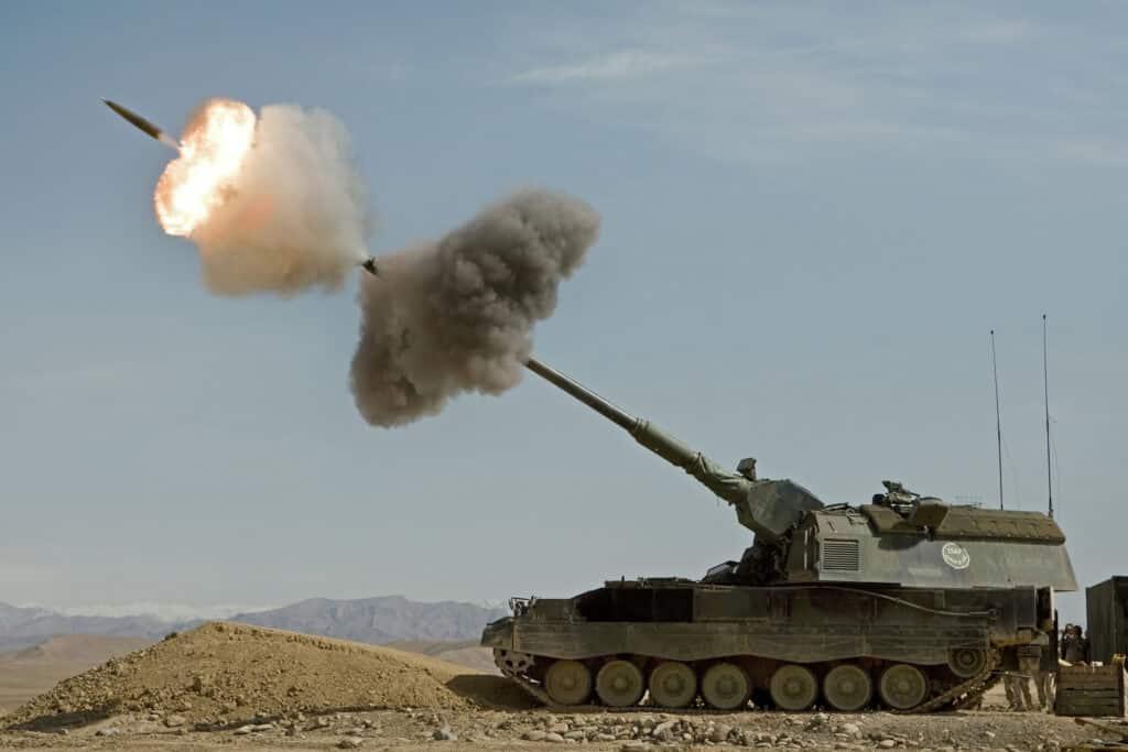 من أين تستورد كلا من أرمينيا وأذربيجان السلاح للجيش ؟