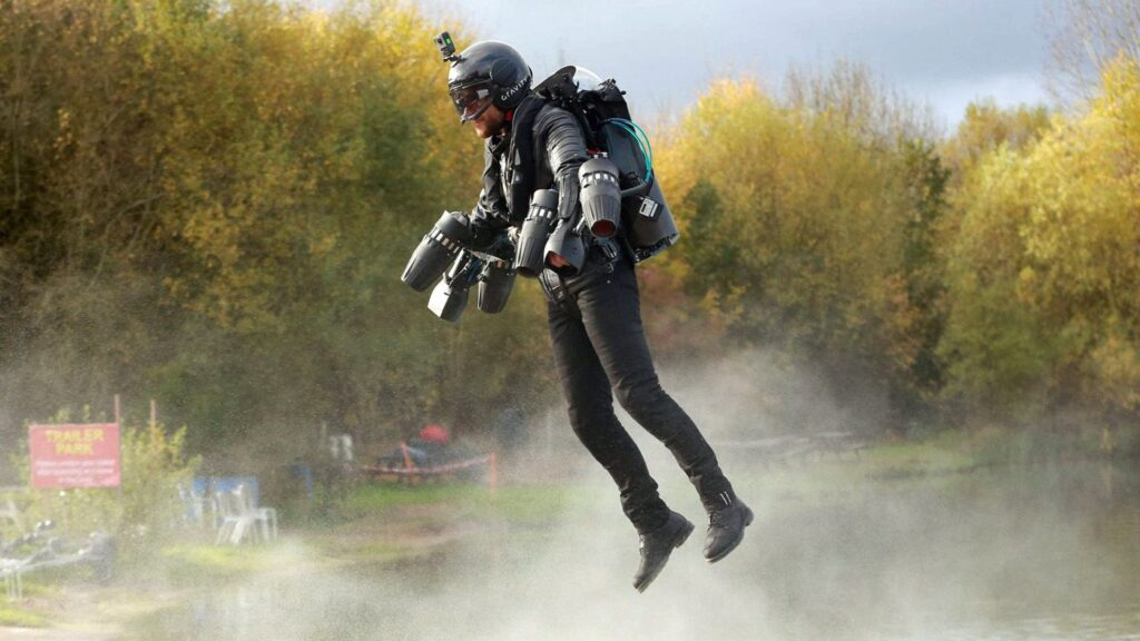 الجيش البريطاني يختبر حقيبة ظهر Jet Suit للدعم السريع في ساحة المعركة