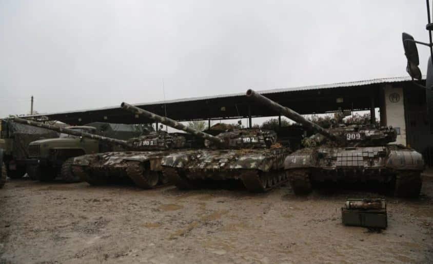 الجيش الأذربيجاني يستعرض المعدات الأرمينية التي استولى عليها