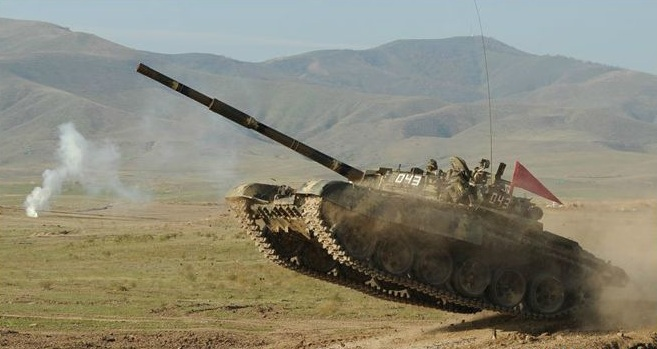 إيران تنقل قواتها إلى حدود أذربيجان