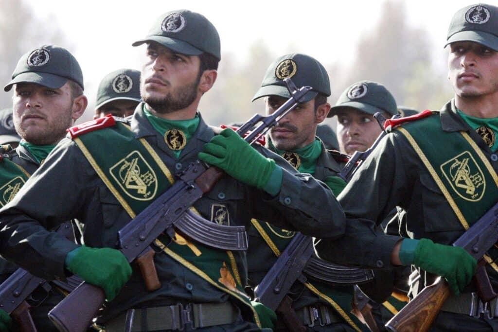 إيران تجهز  تجهز 20 مدفعا بعد قصف للجيش الأذربيجاني على أراضيها