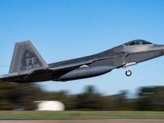 القوات الجوية الأمريكية تنشر طائرات رابتورز في غوام