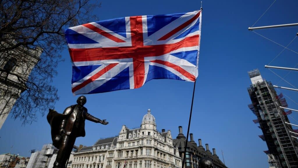 بريطانيا ستكشف عن أكبر استثمار عسكري منذ نهاية الحرب الباردة