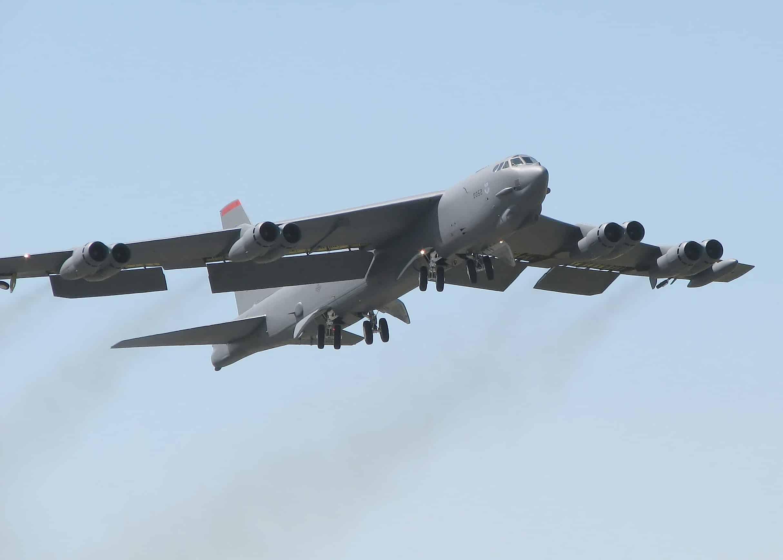 """لماذا نشرت أمريكا قاذفات """"B-52H"""" في قواعدها بالشرق الأوسط ؟"""
