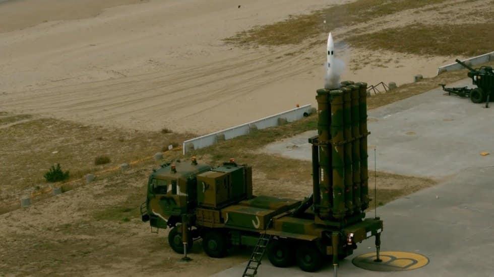 كوريا الجنوبية تنشر صاروخ تشونغونغ 2 سطح - جو ..تعرف على مميزاته