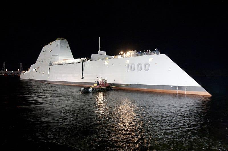 """مدمرة الشبح الأمريكية """"زوموالت""""مزايا ومواصفات وتكلفة مالية عالية"""