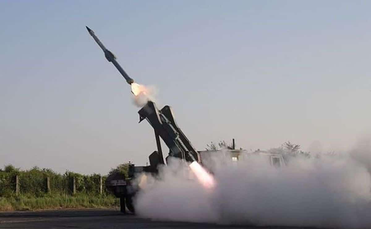 الهند تختبر صاروخ أرض-جو جديد سريع الاستجابة محلي الصنع