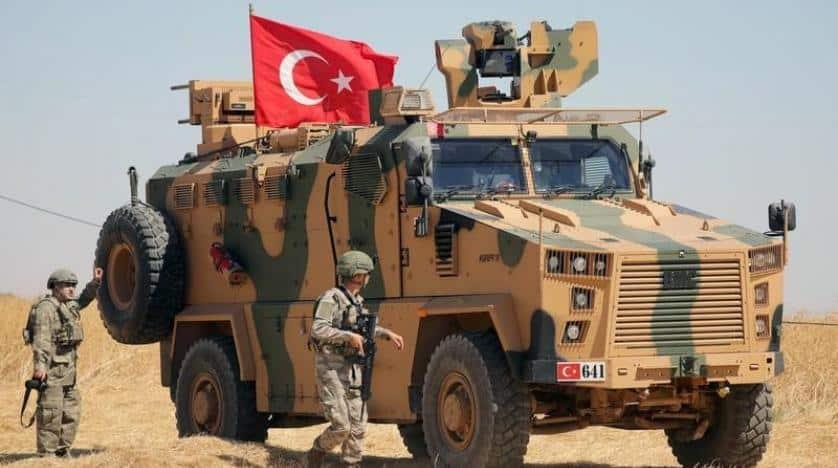 الجيش السوري يقصف إدلب بشكل مكثف وأنباء عن إنسحابات تركية جديدة