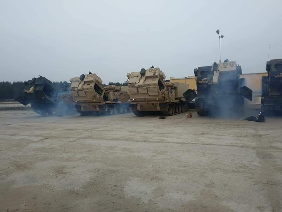 وصول قاذفات صواريخ متعددة للجيش الأمريكي إلى بولندا