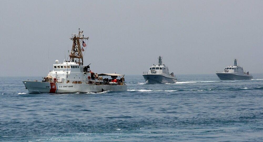 الجيش المصري يجري تدريبات عسكرية في البحر الأحمر