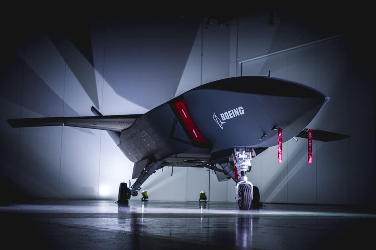 """المقاتلة """"Loyal Wingman"""" تنجح في اختبار الطيران الأول لها"""