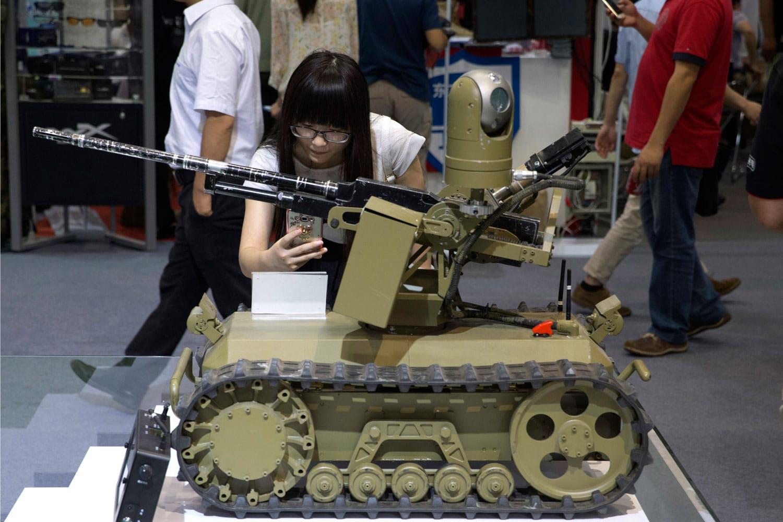 من أجل مواجهة الصين وروسيا ..أمريكا تسعى لتطوير الأسلحة الذكية