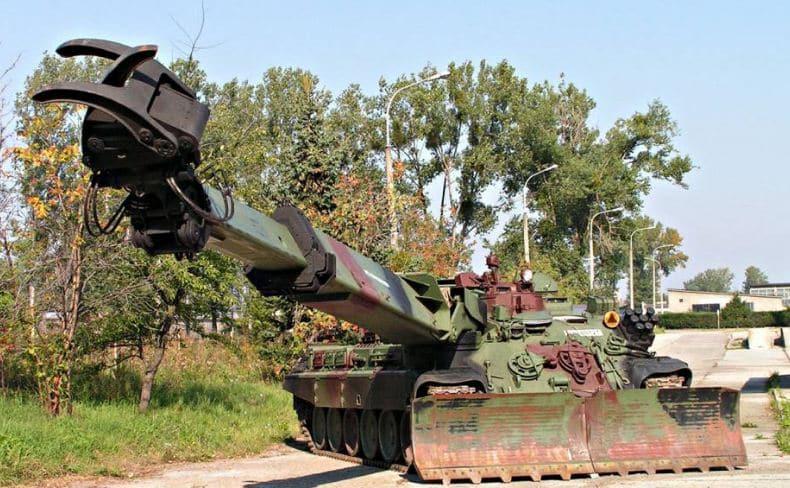 أول دبابة هندسية معدلة MID تعود إلى الجيش البولندي