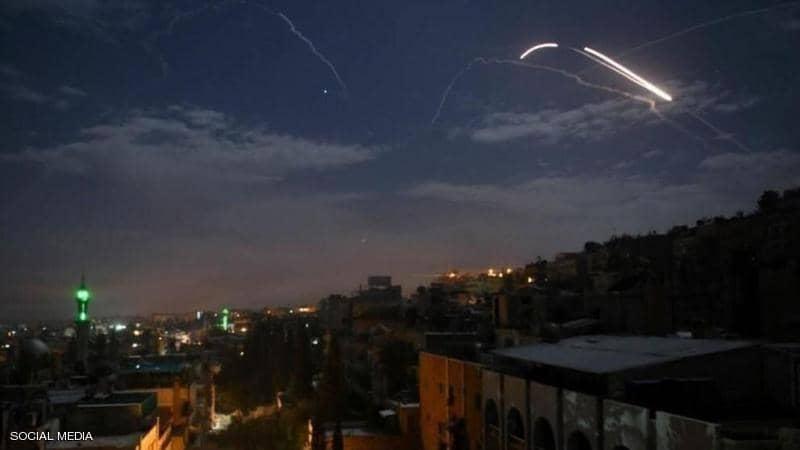 هجوم صاروخي يستهدف عدة مواقع ومخازن أسلحة إيرانية في سوريا