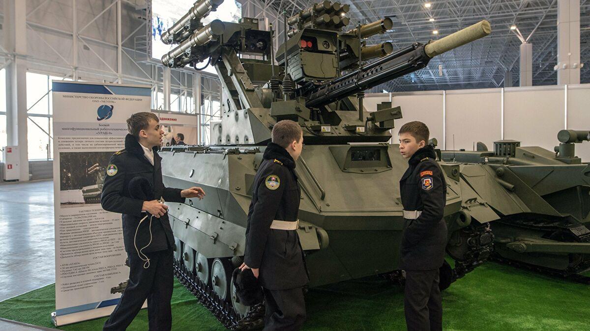 الجيش الروسي يتسلم دفعة جديدة من 20 مركبة UGV المسلحة المجنزرة من طراز Uran-9