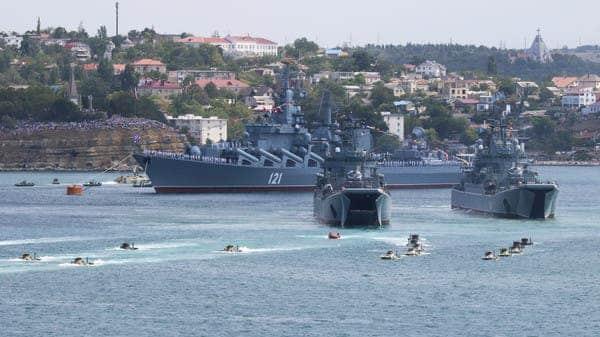 سفن حربية بريطانية تبحر إلى البحر الأسود في ظل توتر شديد بين روسيا وأكرانيا