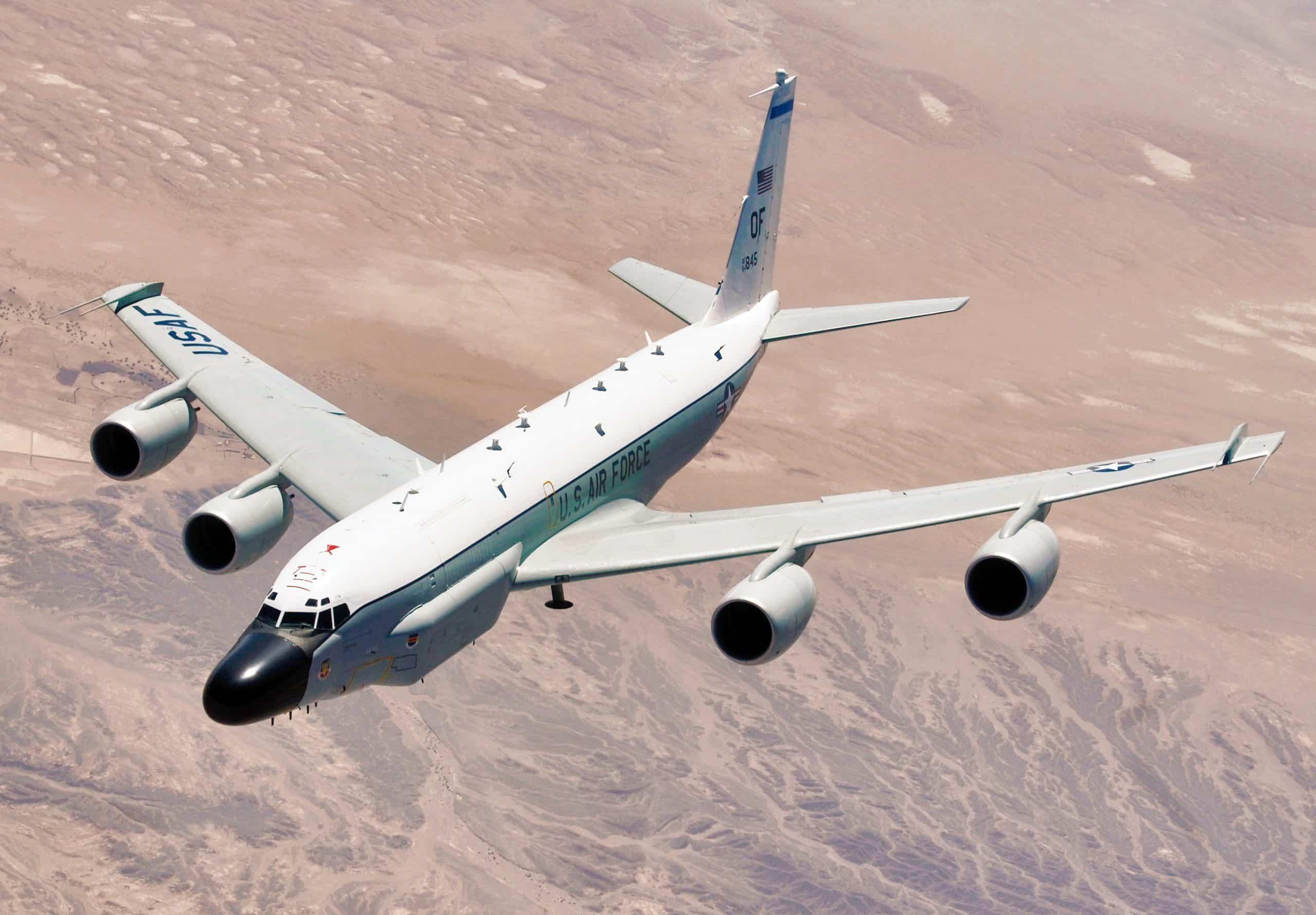 روسيا تقاتل طائرة مقاتلة ضد طائرة تجسس RC-135W برشام جوينت