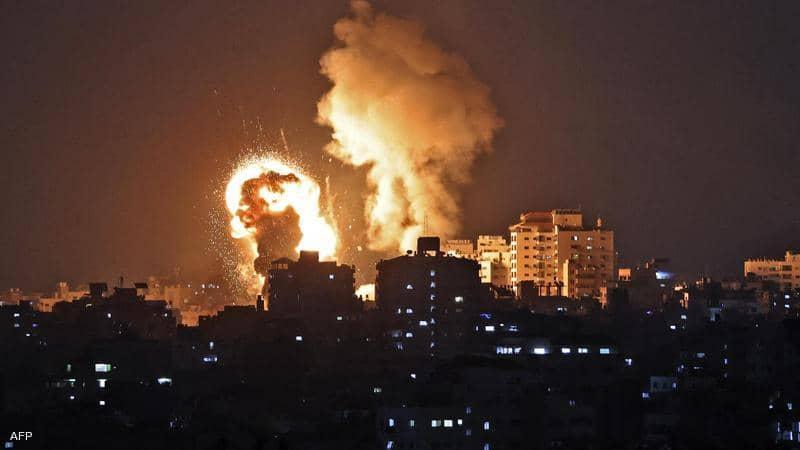 إسرائيل تشن 130 غارة على قطاع غزة وتوقع عدد كبير من الشهداء والجرحى