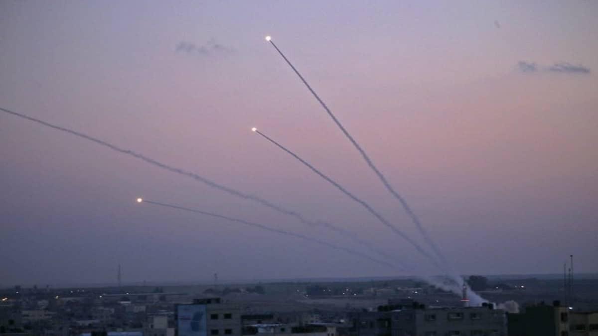 هدنة وشيكة خلال أيام بين إسرائيل وحماس وصواريخ حماس توقع 19 إصابة في بئر السبع