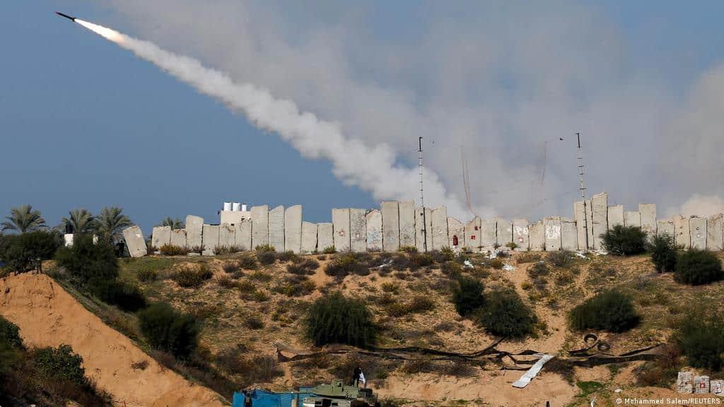 التصعيد مستمر..إسرائيل تستدعي الإحطيات وتحشد جيشها على حدود غزة