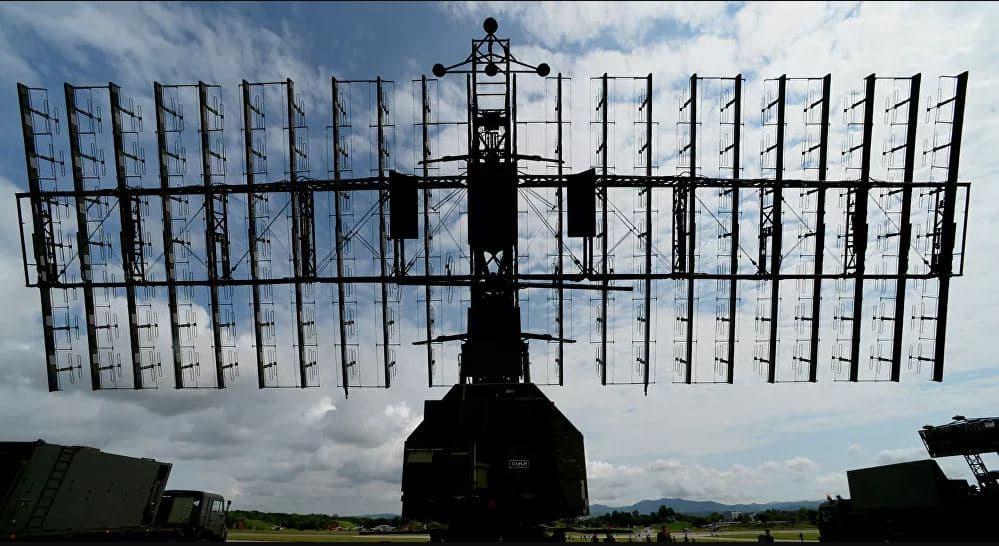 ما هي الآلية التي تعمل بها الرادارات العسكرية؟