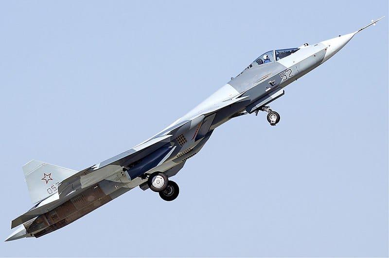 """روسيا تطور نسخة بمقعدين من مقاتلة الجيل الخامس """"سو57"""" معدة للتصدير"""