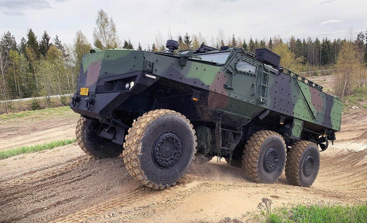 شركة Protolab الفنلندية تقدم مركبتين مدرعتين جديدتين 6 × 6