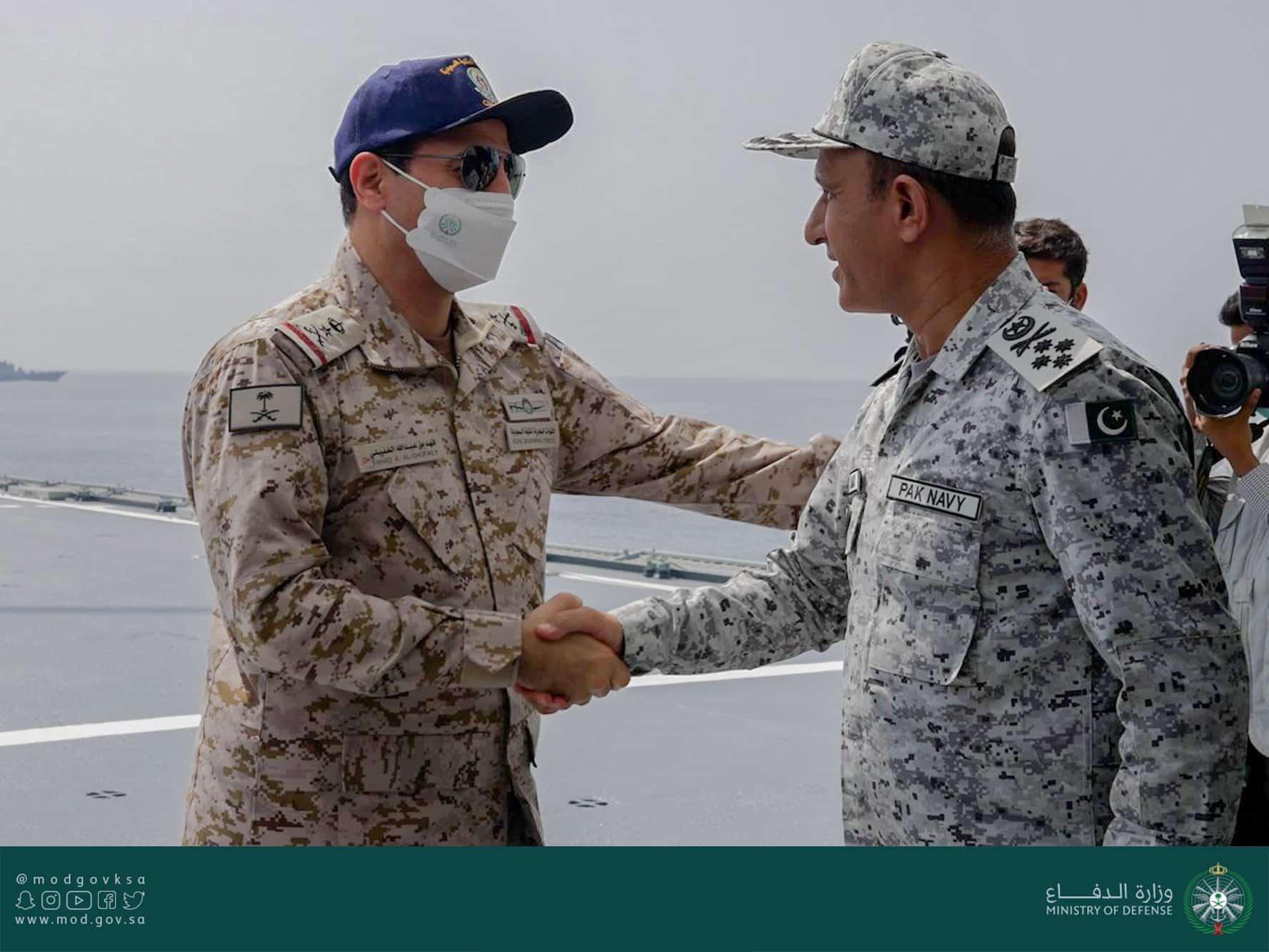 شاهد القوات البحرية الملكية السعودية تنفذ رماية إحترافيه بالصواريخ