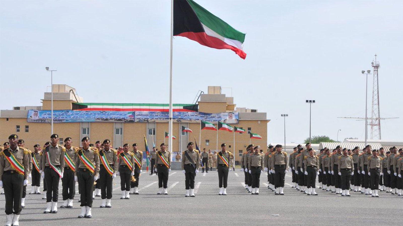 الكويت تسمح للنساء بالإلحتاق بالسلك العسكري