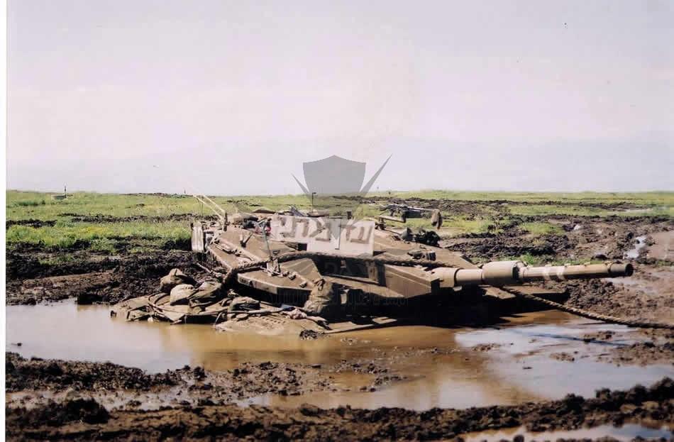 israeli_tank_in_mud-1.jpg