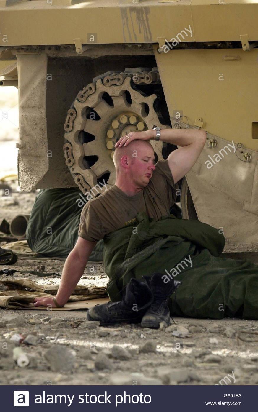 iraq-war-challenger-ii-tank-crew-G69JB3.jpg