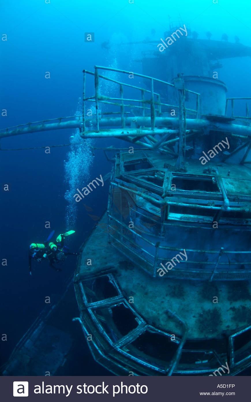 oriskany-wreck-sunk-off-pensacola-florida-gulf-of-mexico-A5D1FP.jpg