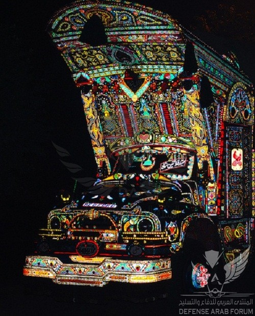 Colorful-truck-painting-in-Pakistan-1.jpg