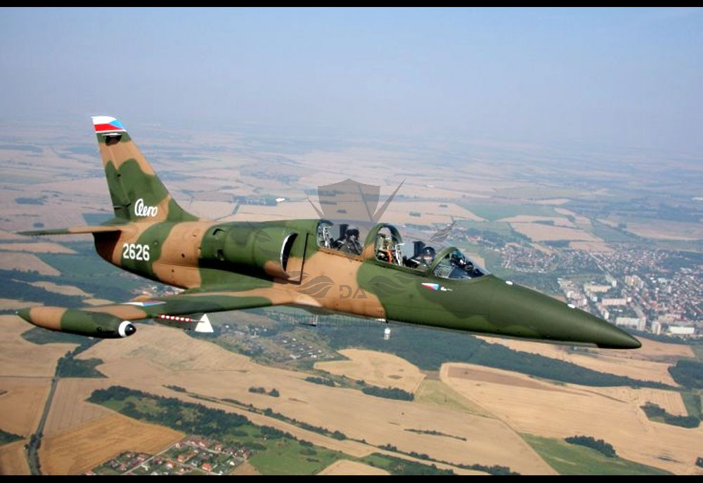 aero-l39-albatros-advanced-jet-trainer-light-strike-aircraft-czechoslovakia_16.jpg