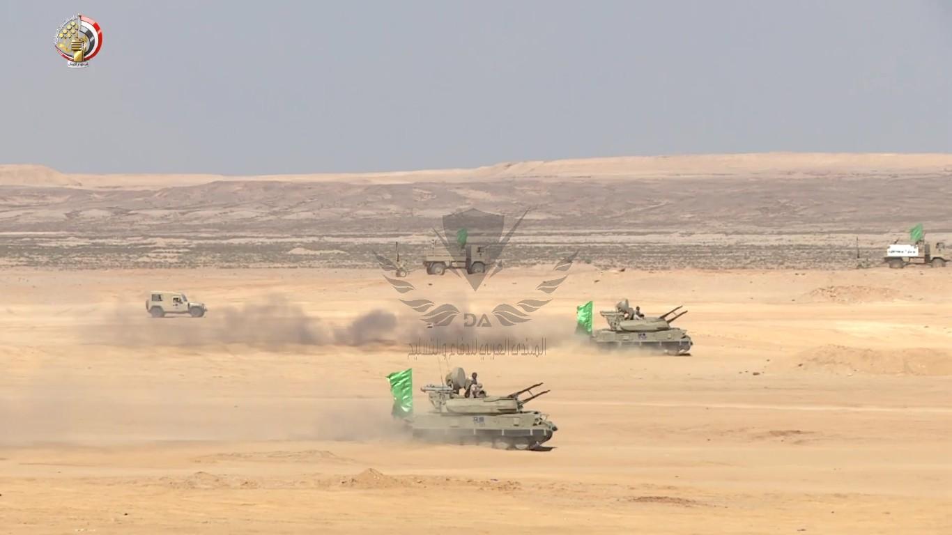 الفريق أول محمد زكى يشهد تنفيذ المرحلة الرئيسية للمناورة[(001462)2020-10-17-20-43-08].JPG