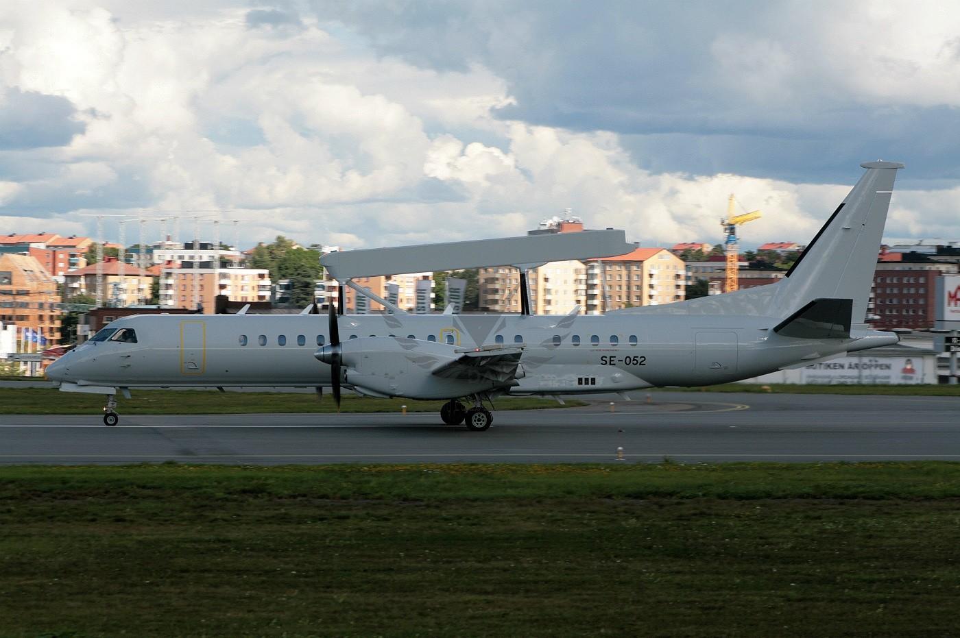 se-052-saab-aircraft-saab-2000-aewc_PlanespottersNet_424730 (1).jpg