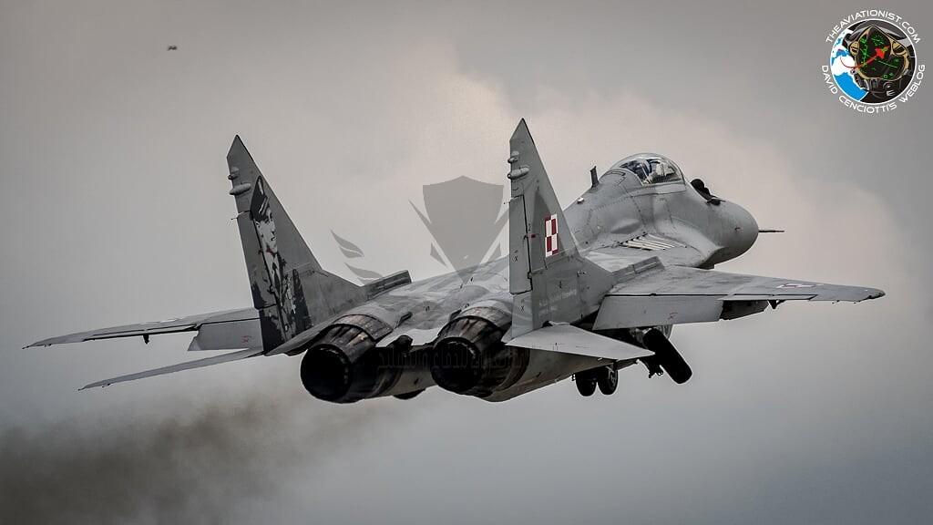 MiG-29s-resume-flying.jpg