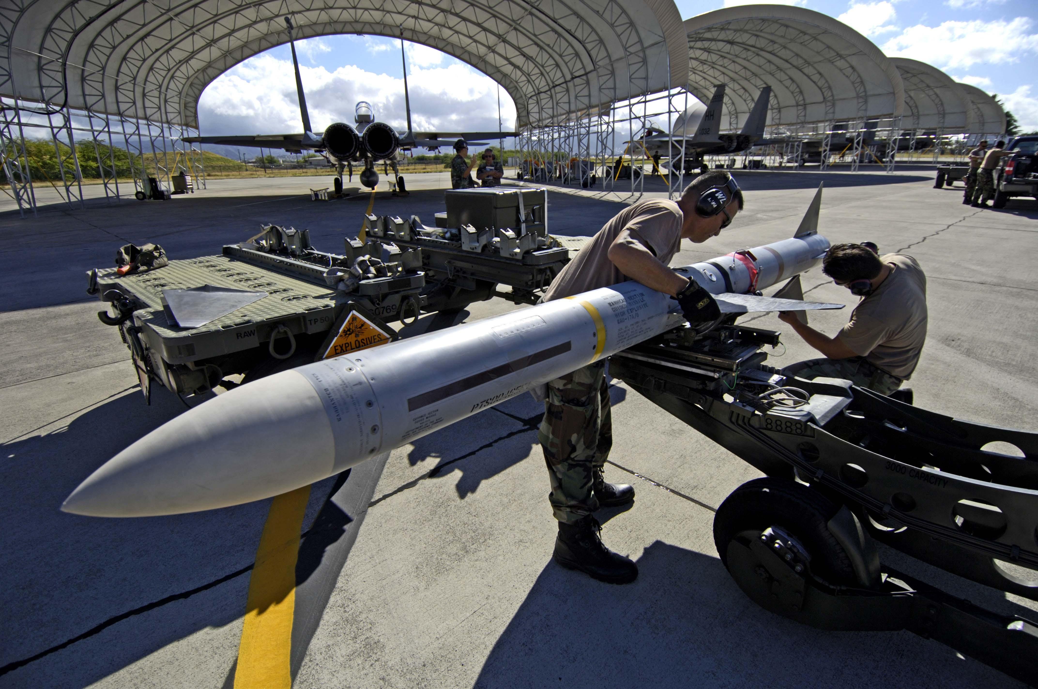 AIM-7_wing_install.jpg