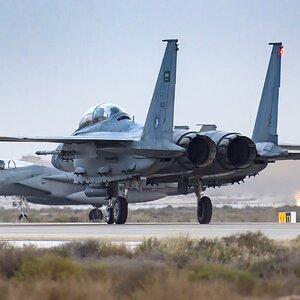 مقاتلة F-15S و مقاتلة F-15C للقوات الجوية الملكية السعودية